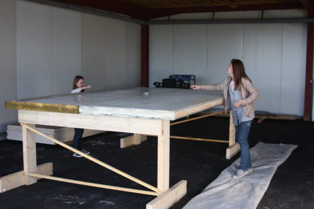 Construction maison container vf a ro - Fabriquer une table haute ...
